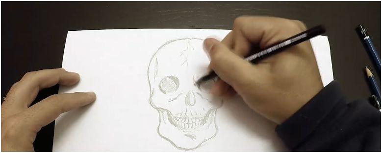 Come disegnare un teschio per Halloween